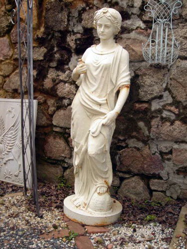 Exceptionnel Life Size Cast Iron Neoclassical Statue